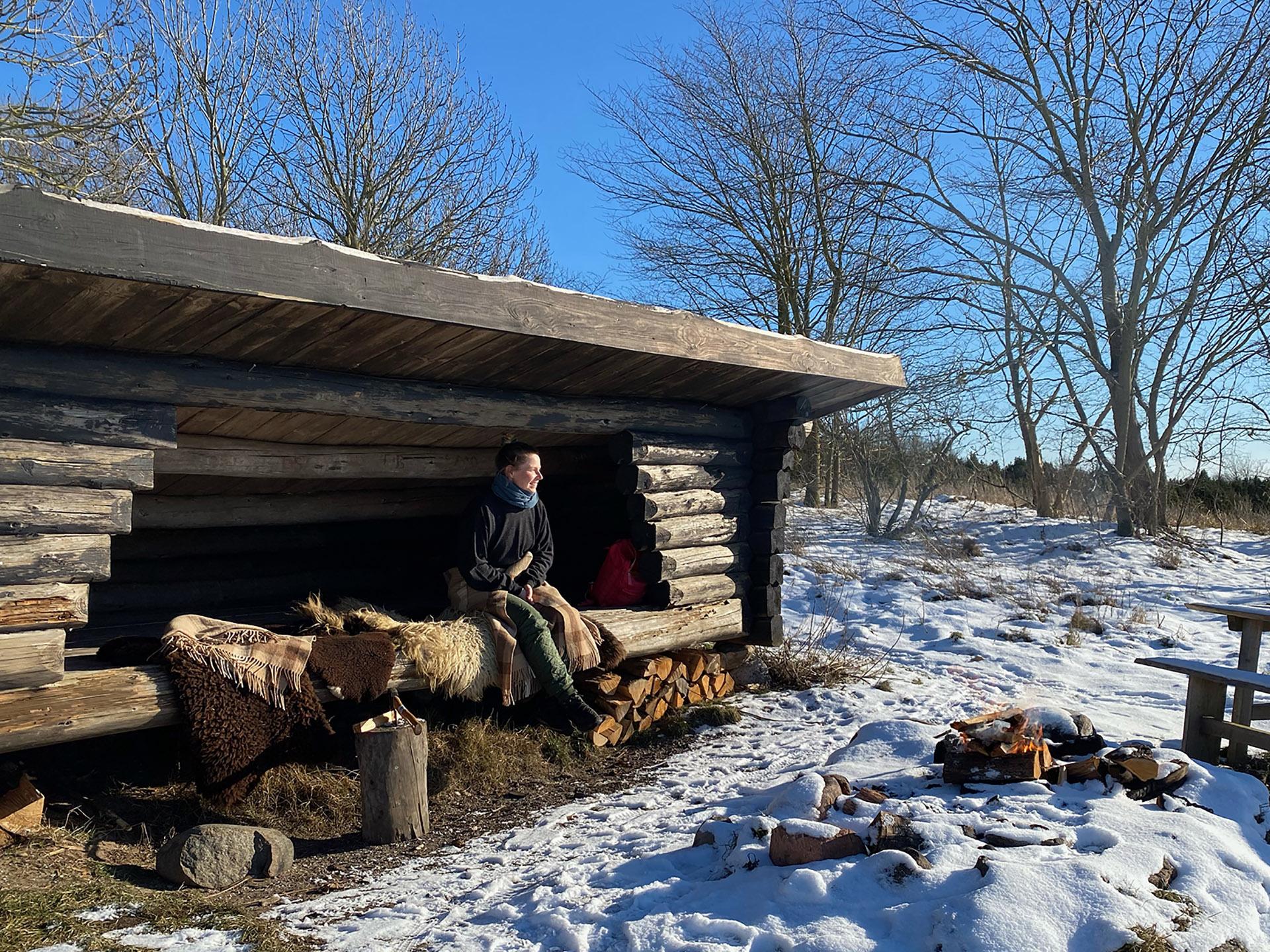 Vinterdag i det vestvendte shelter